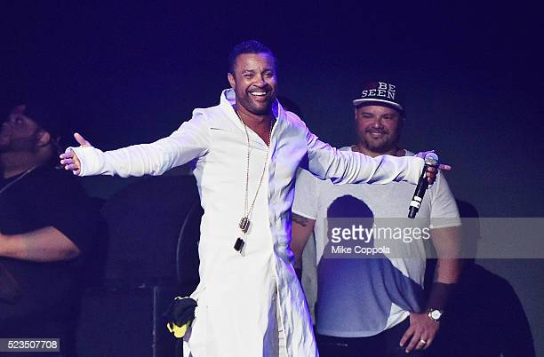 Shaggy performs at Mega Mezcla 2016 at Prudential Center on April 22 2016 in Newark New Jersey