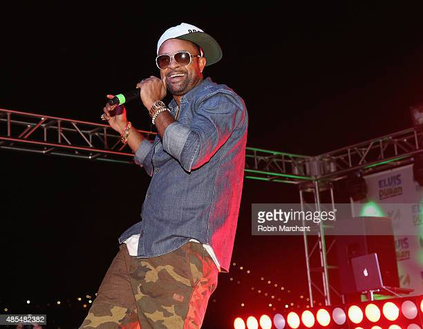 Shaggy performs at the Elvis Duran And The Morning Show End Of Summer Bash 2015 at Hornblower Cruise Pier 15 on August 27 2015 in New York City