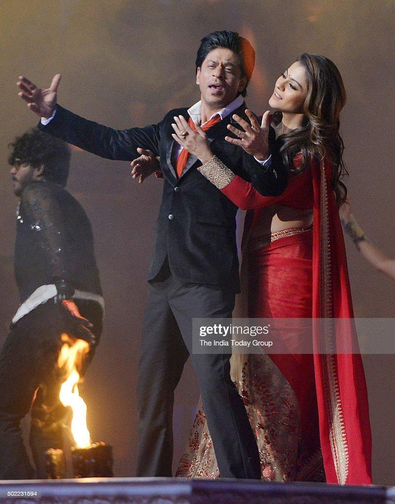 Shah Rukh Khan and Kajol at the Sansui Colors Stardust Awards 2015 in Mumbai