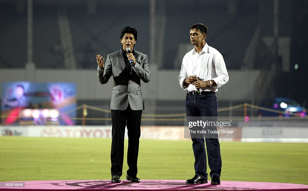 Shah Rukh Khan and Rahul Dravid at the opening ceremony of University Cricket Championship 2013 at Cricket Club in Mumbai on Saturday, February 23, 2013.