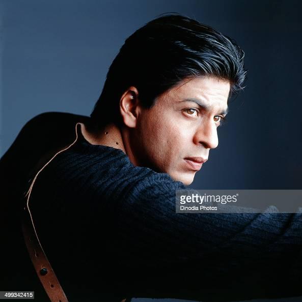 Shahrukh Khan posing