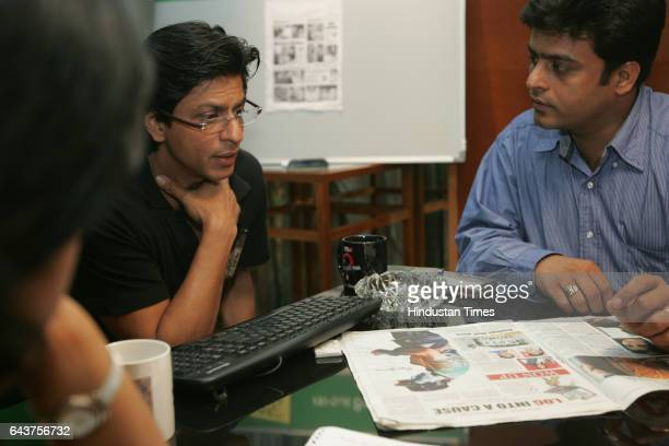 SRK Shahrukh Khan with Vazir Singh was the guest editor for HT Cafe