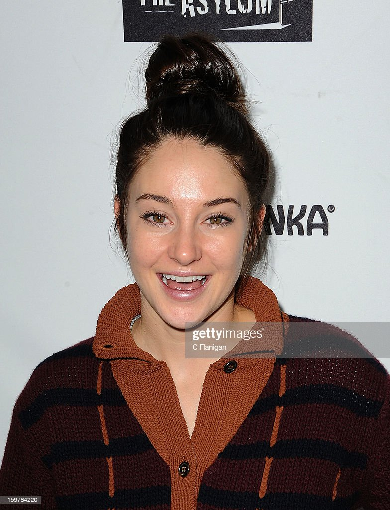 <a gi-track='captionPersonalityLinkClicked' href=/galleries/search?phrase=Shailene+Woodley&family=editorial&specificpeople=676833 ng-click='$event.stopPropagation()'>Shailene Woodley</a> arrives at The Creative Coalition Spotlight Initiavtive Awards Gala during the 2013 Sundance Film Festival at The Sky Lodge on January 19, 2013 in Park City, Utah.