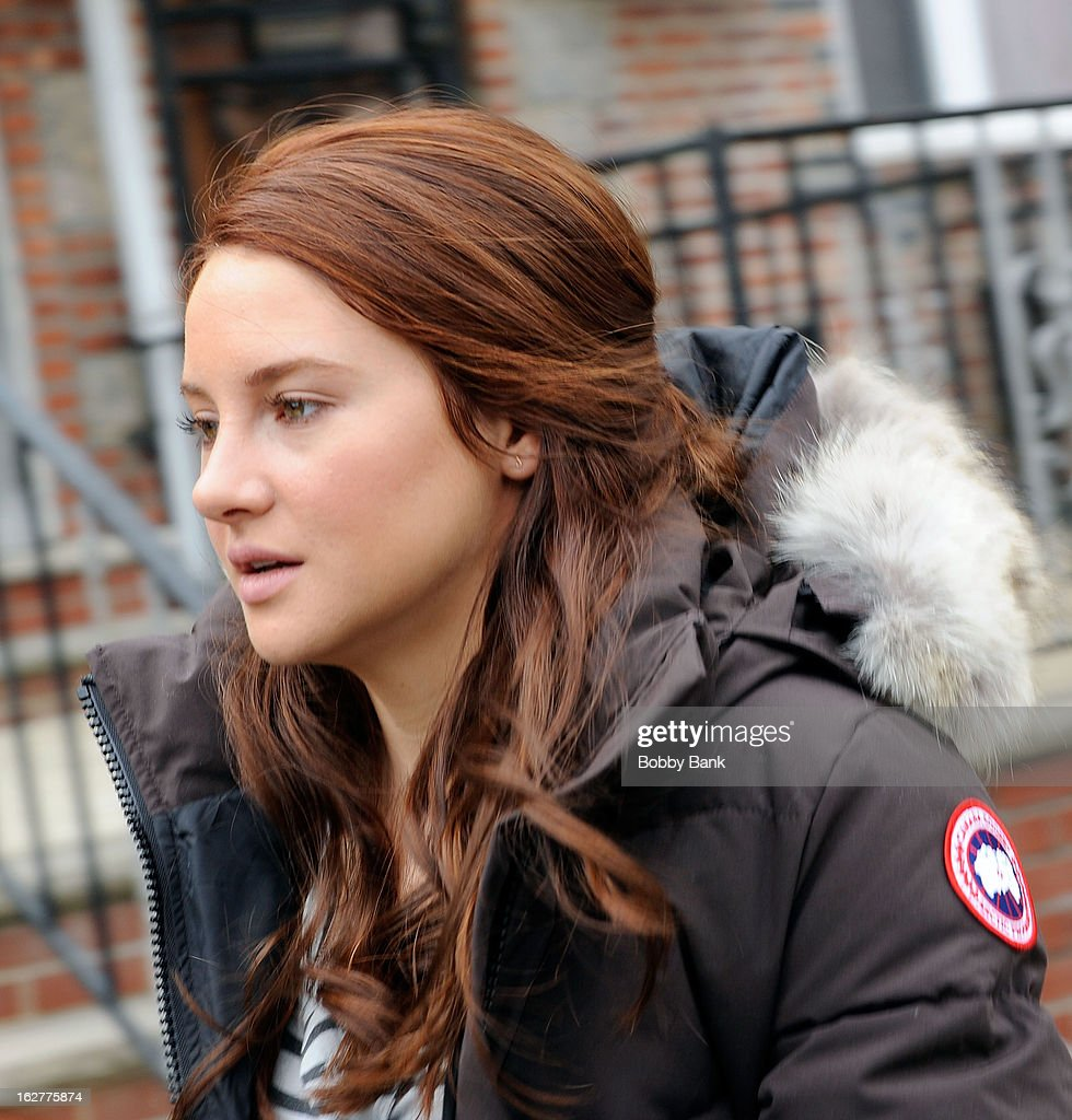 <a gi-track='captionPersonalityLinkClicked' href=/galleries/search?phrase=Shailene+Woodley&family=editorial&specificpeople=676833 ng-click='$event.stopPropagation()'>Shailene Woodley</a> filming on location for 'The Amazing Spiderman 2' on February 26, 2013 in the Brooklyn borough of New York City.