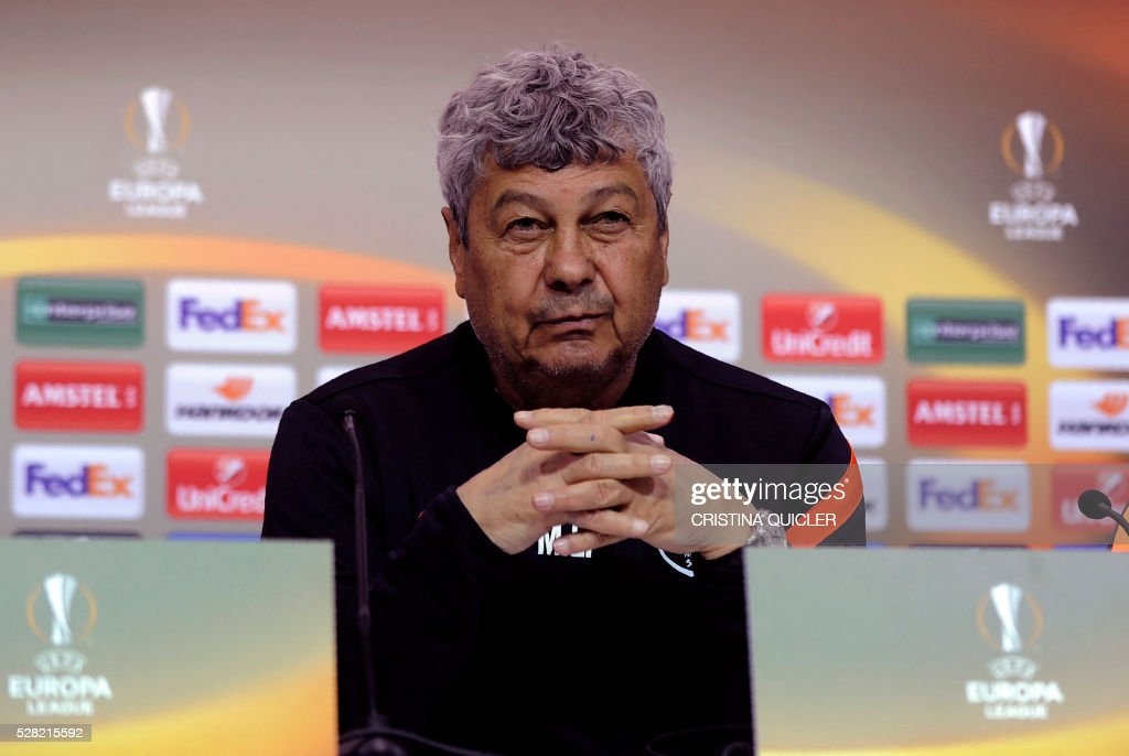 Shakhtar Donetsk's Romanian coach Mircea Lucescu gives a press conference at the Sanchez Pizjuan'stadium on May 4, 2016 on the eve of the UEFA Europa League semi-final second leg football match Sevilla FC vs Shakhtar Donetsk. / AFP / CRISTINA
