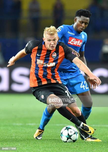 Shakhtar Donetsk's Viktor Kovalenko and SSC Napoli' Amadou Diawara vie for the ball during the UEFA Champions League Group F football match between...