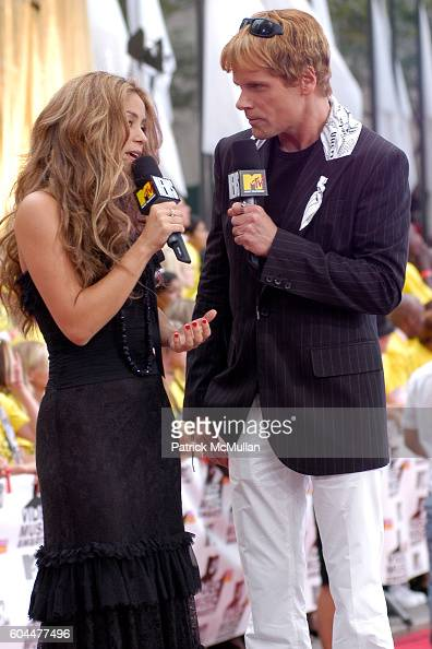 Shakira and John Norris attend 2006 MTV Video Music Awards at Radio City Music Hall on August 31 2006 in New York City
