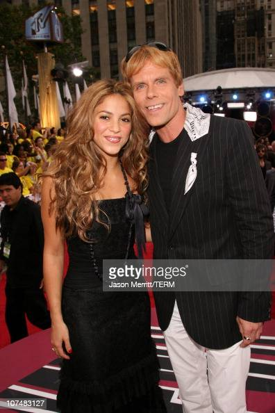Shakira and John Norris during 2006 MTV Video Music Awards MTV News Red Carpet at Radio City Music Hall in New York City New York United States