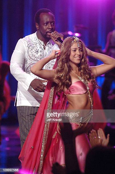 Shakira and Wyclef Jean performing Hips Don't Lie