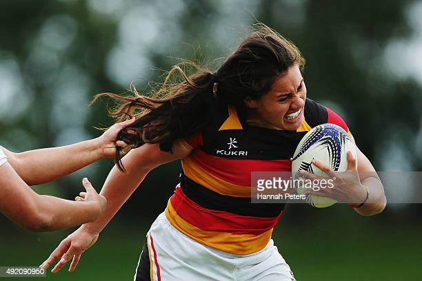 Shakira Baker of Waikato makes a break during the Women's Provincial Championship Semi Final between Auckland and Waikato at Auckland University RFC...