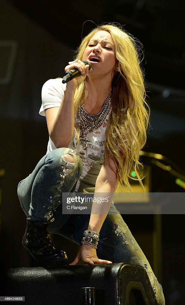 <a gi-track='captionPersonalityLinkClicked' href=/galleries/search?phrase=Shakira&family=editorial&specificpeople=160650 ng-click='$event.stopPropagation()'>Shakira</a> performs during the KIIS FM's 2014 Wango Tango at StubHub Center on May 10, 2014 in Los Angeles, California.