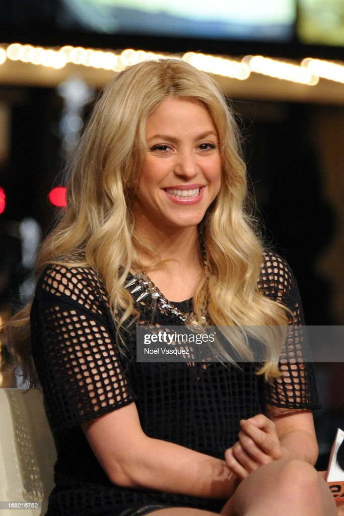 <a gi-track='captionPersonalityLinkClicked' href=/galleries/search?phrase=Shakira&family=editorial&specificpeople=160650 ng-click='$event.stopPropagation()'>Shakira</a> visits 'Extra' at The Grove on May 6, 2013 in Los Angeles, California.