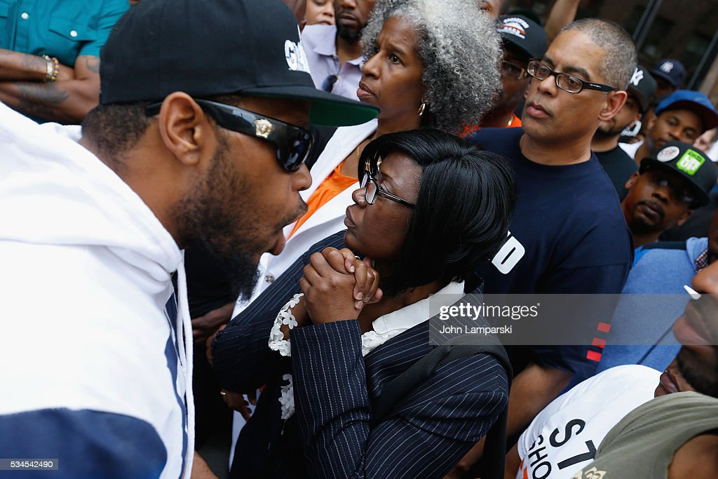 Shanduke McPhatter, Rose MCPhatter and Erica Ford attend National Anti-Violence Community Press Conference at Irving Plaza with family of Ronald McPhatter, shooting victim at Irving Plaza on May 26, 2016 in New York City.