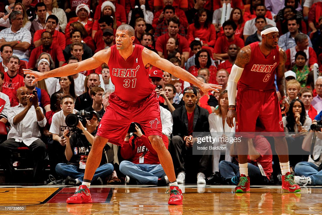 <a gi-track='captionPersonalityLinkClicked' href=/galleries/search?phrase=Shane+Battier&family=editorial&specificpeople=201814 ng-click='$event.stopPropagation()'>Shane Battier</a> #31 of the Miami Heat plays defense against the Oklahoma City Thunder during a Christmas Day game on December 25, 2012 at American Airlines Arena in Miami, Florida.