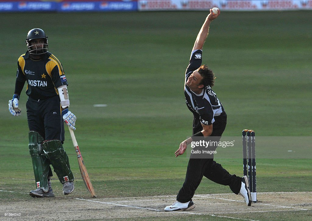 Shane Bond of New Zealand bowling during the ICC Champions Trophy semi final match between New Zealand and Pakistan from Liberty Life Wanderers on...