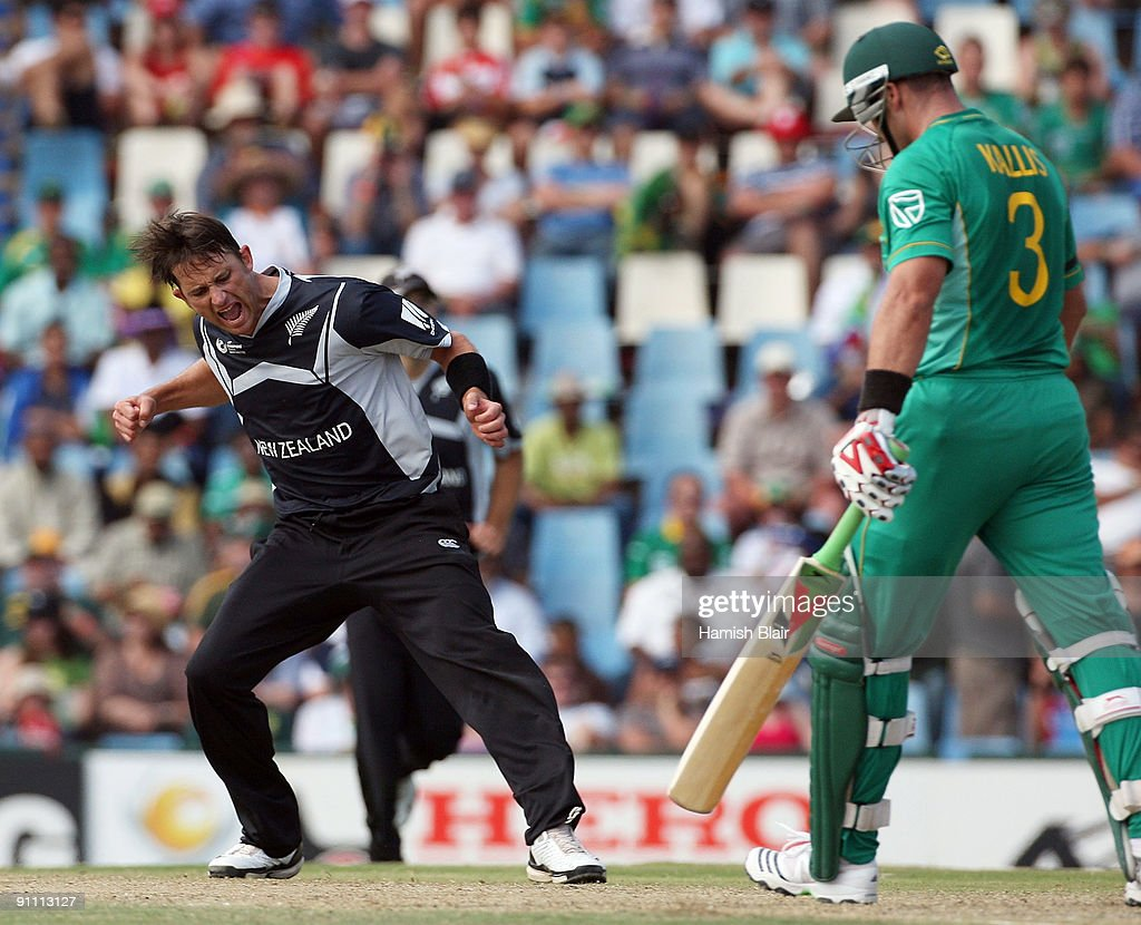 Shane Bond of New Zealand celebrates the wicket of Jacques Kallis of South Africa during the ICC Champions Trophy Group B match between South Africa and New Zealand on September 24, 2009 in Centurion, South Africa.