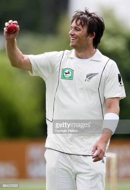 Shane Bond of New Zealand walks to his mark during day three of the First Test match between New Zealand and Pakistan at University Oval on November...