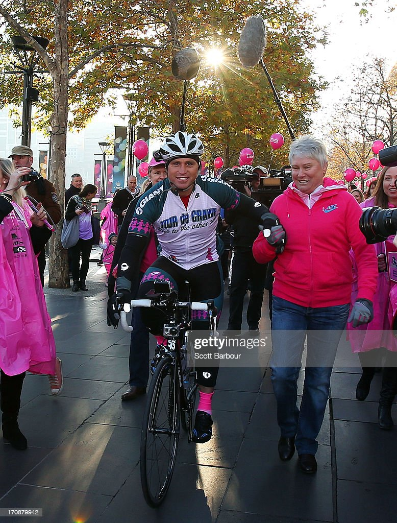Shane Crawford Charity Bike Ride Begins In Melbourne