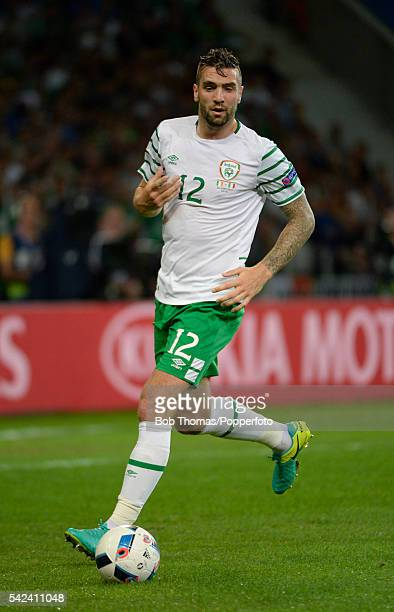 Shane Duffy in action for Ireland during the UEFA EURO 2016 Group E match between Italy and Republic of Ireland at Stade PierreMauroy on June 22 2016...