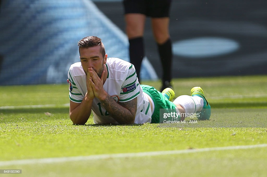 <a gi-track='captionPersonalityLinkClicked' href=/galleries/search?phrase=Shane+Duffy+-+Soccer+Player&family=editorial&specificpeople=16068436 ng-click='$event.stopPropagation()'>Shane Duffy</a> of Republic of Ireland reacts after a missed chance during the UEFA EURO 2016 Round of 16 match between France and Republic of Ireland at Stade des Lumieres on June 26, 2016 in Lyon, France.