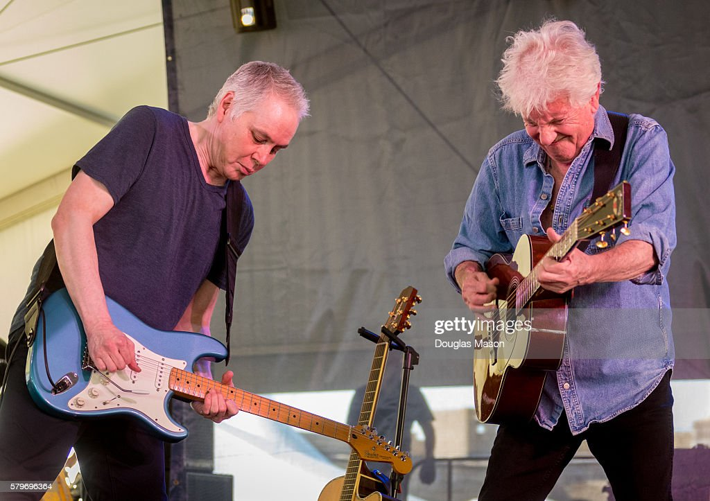 PHILLY PHOTO ARCHIVES of ROGER BARONE: GRAHAM NASH & GUITARIST ...