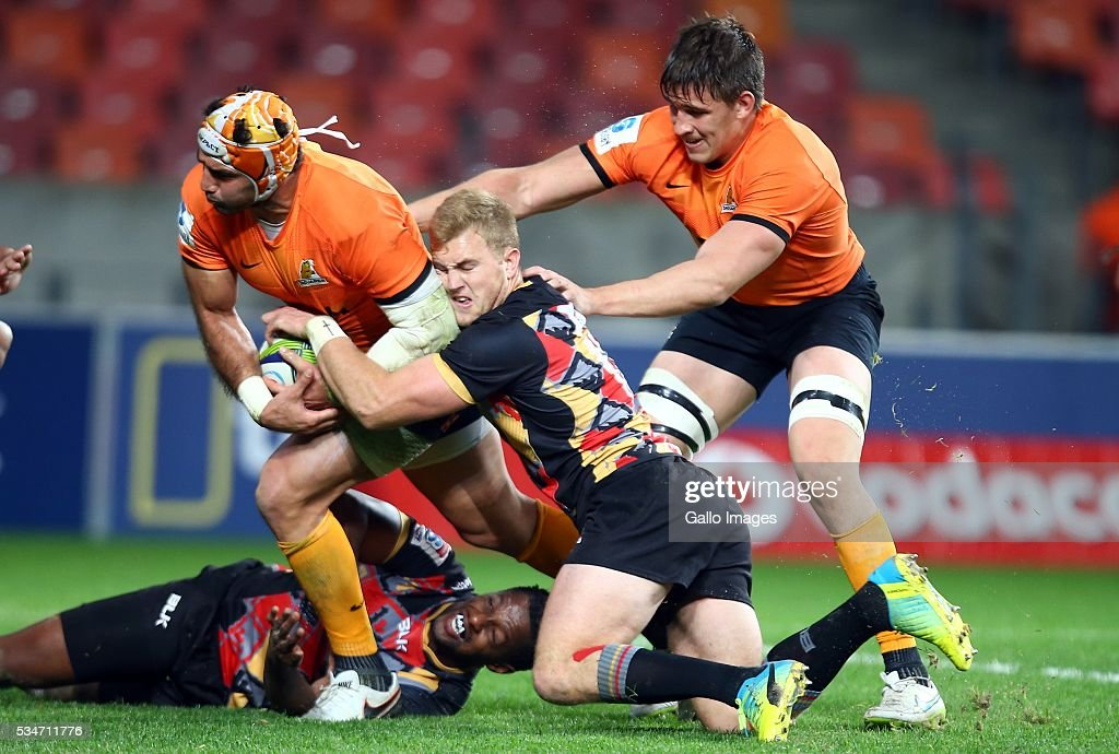 Shane Gates of the Southern Kings tackling Juan Manuel Leguizamon of the Jaguares during the Super Rugby match between Southern Kings and Jaguares at Nelson Mandela Bay Stadium on May 27, 2016 in Port Elizabeth, South Africa.