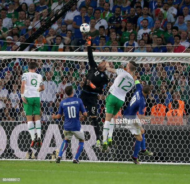 Shane Long of Ireland and Thiago Motta of Italy and Salvatore Sirigu of Italy and Shane Duffy of Ireland and Leonardo Bonucci of Italy battle for the...