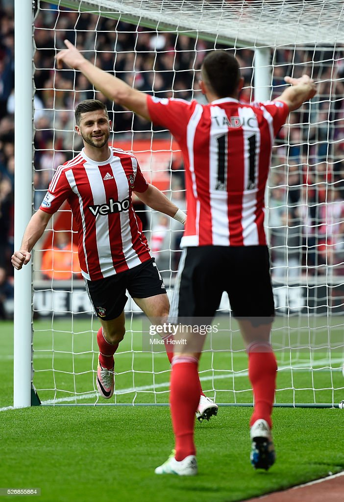Shane Long of Southampton celebrates scoring the opening goal during the Barclays Premier League match between Southampton and Manchester City at St Mary's Stadium on May 1, 2016 in Southampton, England.