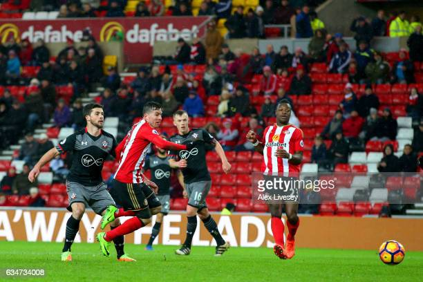 Shane Long of Southampton scores his side's fourth goal during the Premier League match between Sunderland and Southampton at Stadium of Light on...