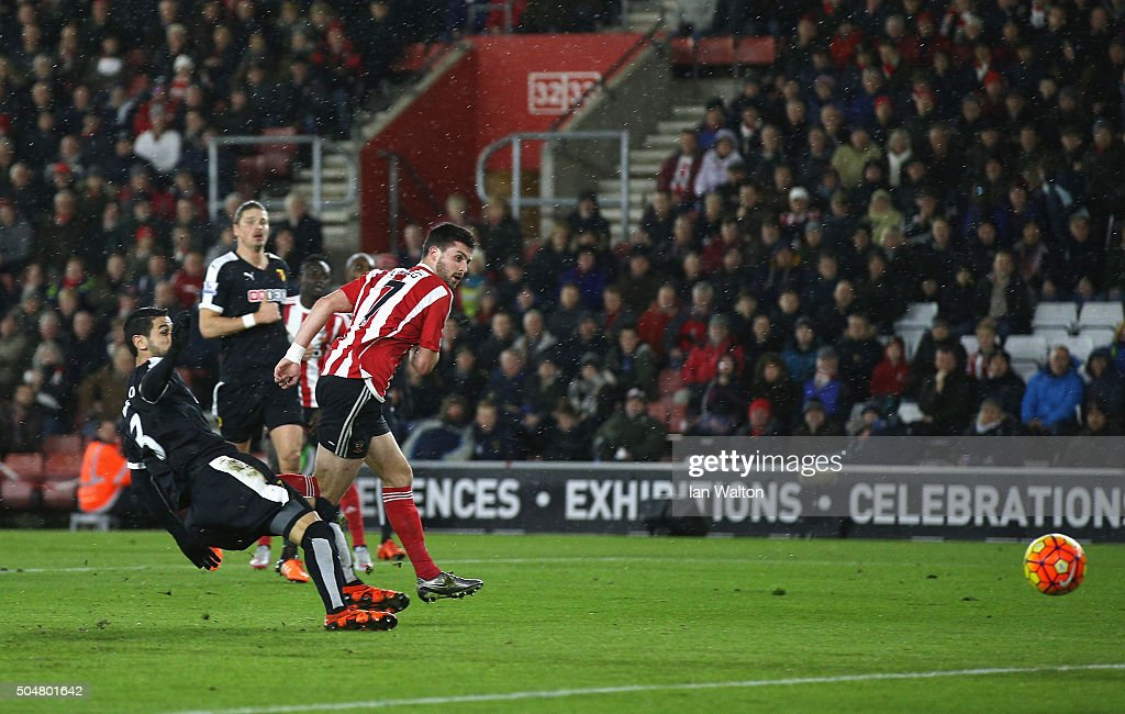 Shane Long of Southampton scores his team's first goal during the Barclays Premier League match between Southampton and Watford at St. Mary's Stadium on January 13, 2016 in Southampton, England.