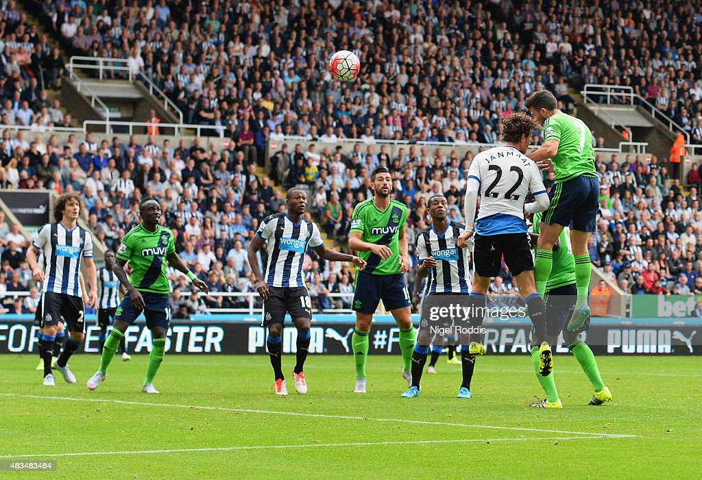 Shane Long of Southampton scores their seocnd goal during the Barclays Premier League match between Newcastle United and Southampton at St James' Park on August 9, 2015 in Newcastle upon Tyne, England.