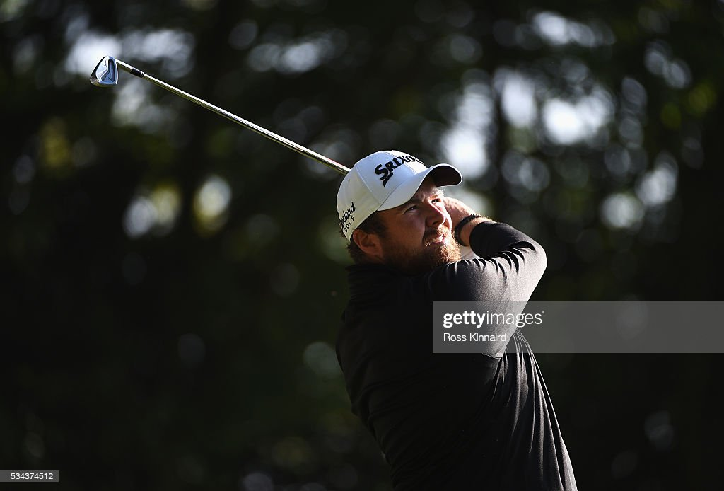 <a gi-track='captionPersonalityLinkClicked' href=/galleries/search?phrase=Shane+Lowry+-+Golfer&family=editorial&specificpeople=12866010 ng-click='$event.stopPropagation()'>Shane Lowry</a> of Ireland tees off on the 2nd hole during day one of the BMW PGA Championship at Wentworth on May 26, 2016 in Virginia Water, England.