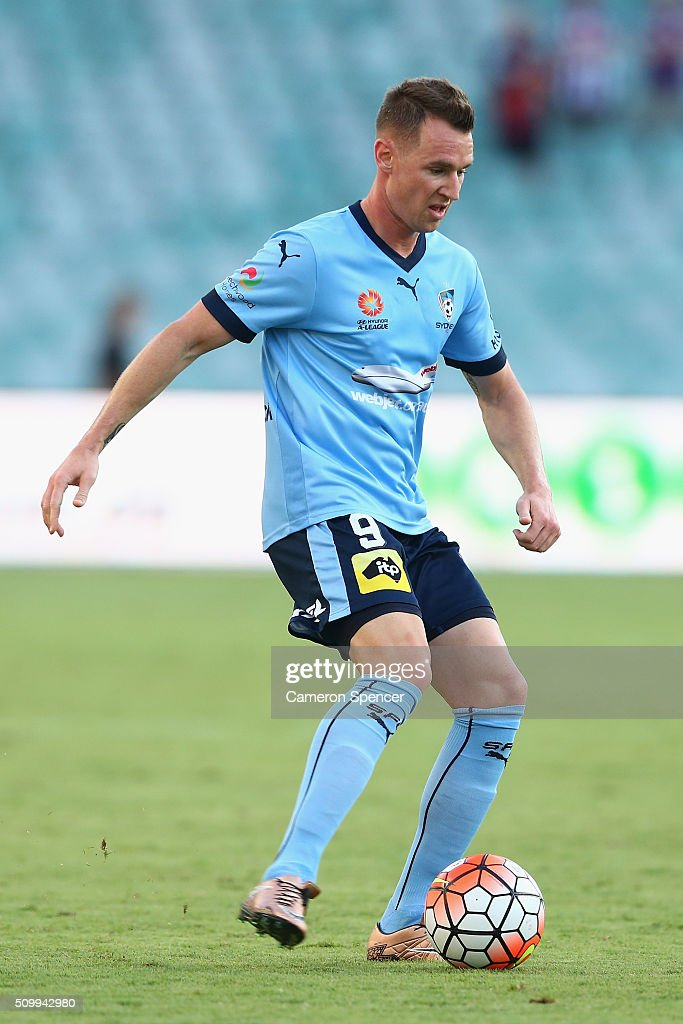 <a gi-track='captionPersonalityLinkClicked' href=/galleries/search?phrase=Shane+Smeltz&family=editorial&specificpeople=881773 ng-click='$event.stopPropagation()'>Shane Smeltz</a> of Sydney FC dribbles the ball during the round 19 A-League match between Sydney FC and the Perth Glory at Allianz Stadium on February 13, 2016 in Sydney, Australia.