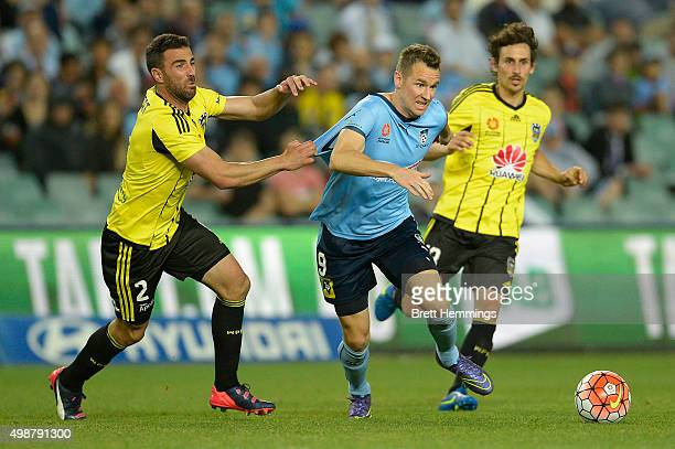 Shane Smeltz of Sydney FC runs with the ball during the round eight ALeague match between Sydney FC and Wellington Phoenix at Allianz Stadium on...