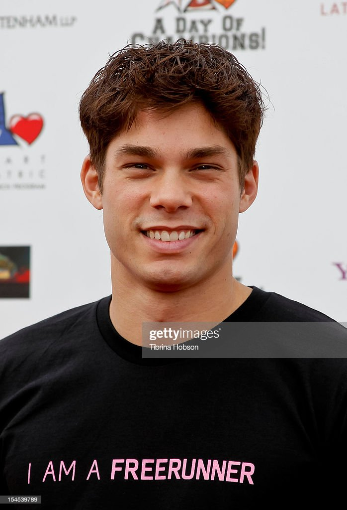 Shane Thunder Daniels attends Yahoo! Sports presents 'A Day Of Champions' benefiting the Bogart Pediatric Cancer Research Program at Sports Museum of Los Angeles on October 21, 2012 in Los Angeles, California.