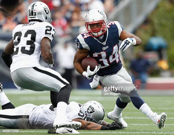 Shane Vereen of the New England Patriots carries the ball during the first quarter against the Oakland Raiders at Gillette Stadium on September 21...