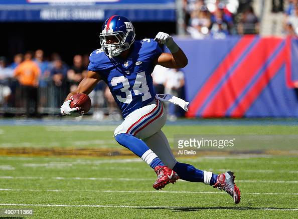 Shane Vereen of the New York Giants in action against the Atlanta Falcons during their game at MetLife Stadium on September 20 2015 in East...