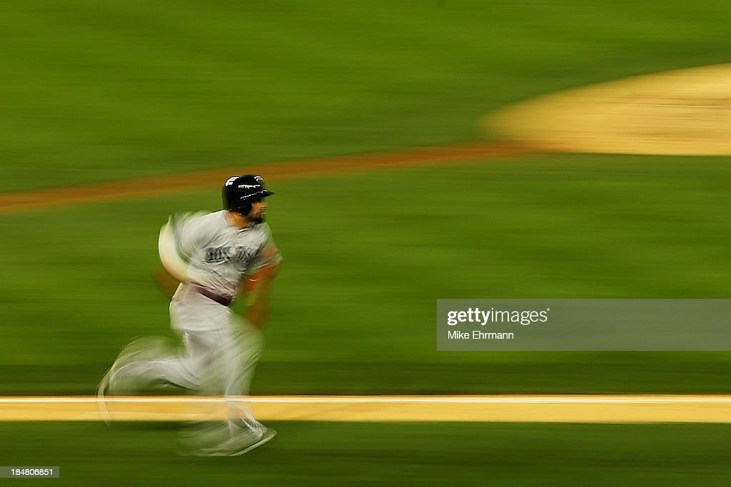 <a gi-track='captionPersonalityLinkClicked' href=/galleries/search?phrase=Shane+Victorino&family=editorial&specificpeople=576251 ng-click='$event.stopPropagation()'>Shane Victorino</a> #18 of the Boston Red Sox runs after hitting a double in the seventh inning against the Detroit Tigers during Game Four of the American League Championship Series at Comerica Park on October 16, 2013 in Detroit, Michigan.