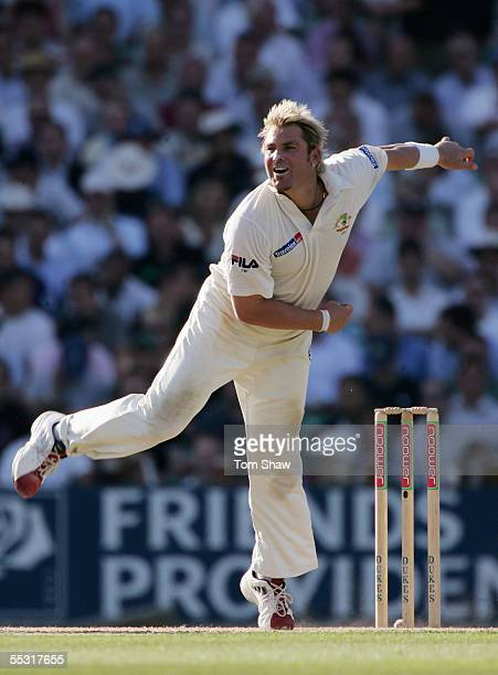 Shane Warne of Australia bowls during day one of the Fifth npower Ashes Test match between England and Australia at the Brit Oval on September 8 2005...