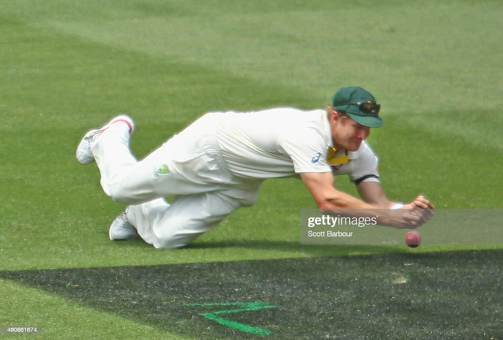 <a gi-track='captionPersonalityLinkClicked' href=/galleries/search?phrase=Shane+Watson+-+Cricket+Player&family=editorial&specificpeople=171874 ng-click='$event.stopPropagation()'>Shane Watson</a> of Australia drops a catch at first slip of Virat Kohli of India during day three of the Third Test match between Australia and India at Melbourne Cricket Ground on December 28, 2014 in Melbourne, Australia.