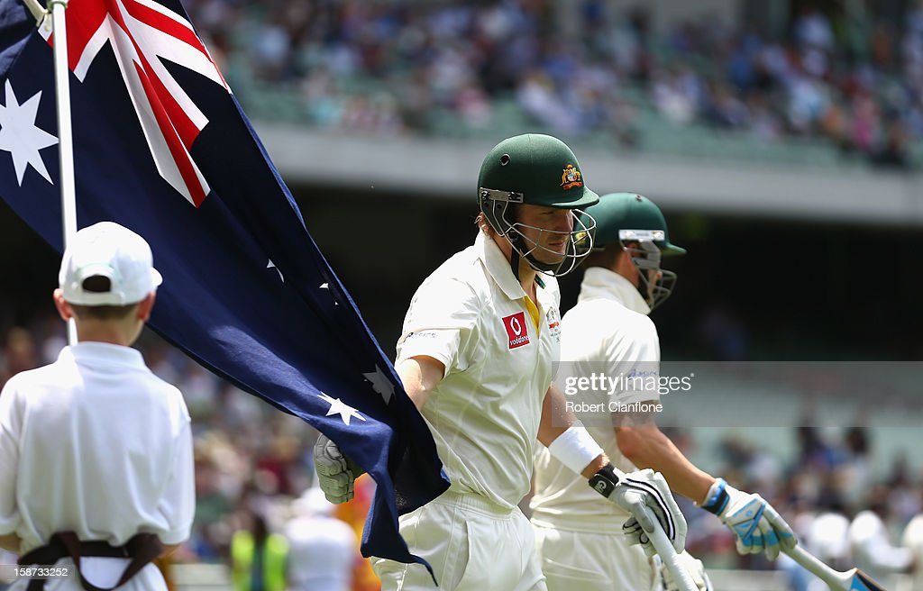 Shane Watson of Australia walks out to bat after the lunch break during day two of the Second Test match between Australia and Sri Lanka at Melbourne Cricket Ground on December 27, 2012 in Melbourne, Australia.