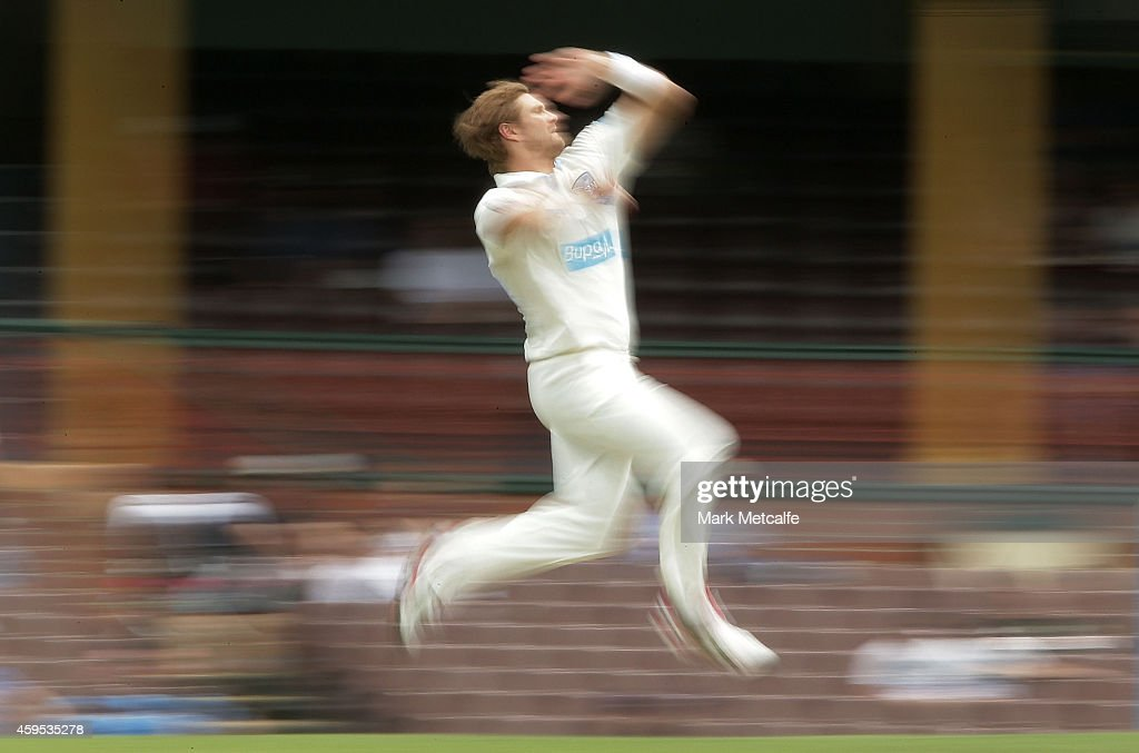 <a gi-track='captionPersonalityLinkClicked' href=/galleries/search?phrase=Shane+Watson+-+Cricket+Player&family=editorial&specificpeople=171874 ng-click='$event.stopPropagation()'>Shane Watson</a> of New South Wales bowls during day one of the Sheffield Shield match between New South Wales and South Australia at Sydney Cricket Ground on November 25, 2014 in Sydney, Australia.