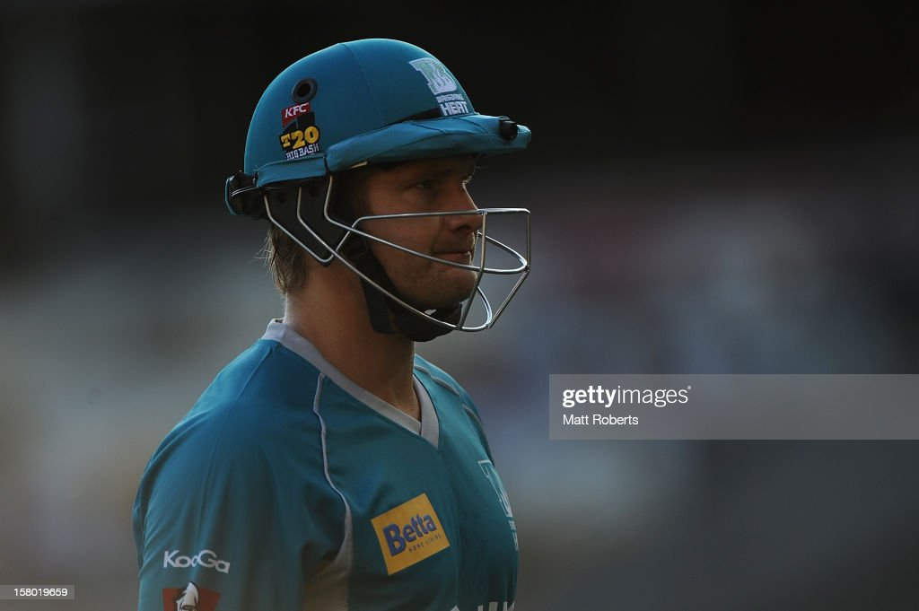 Shane Watson of the Heat looks dejected as he leaves the field during the Big Bash League match between the Brisbane Heat and the Hobart Hurricanes at The Gabba on December 9, 2012 in Brisbane, Australia.
