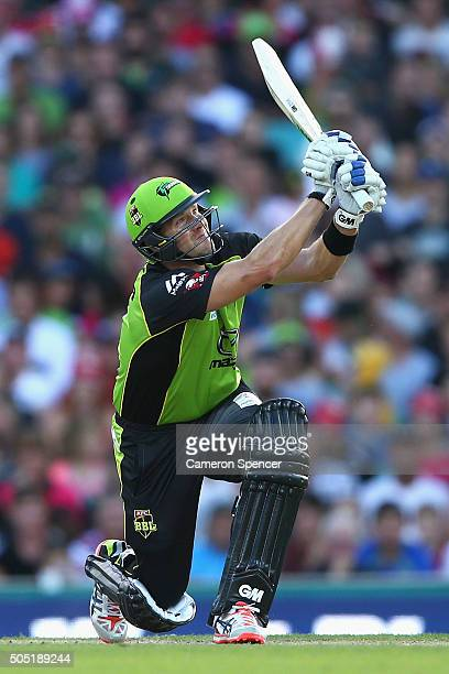 Shane Watson of the Thunder bats during the Big Bash League match between the Sydney Sixers and the Sydney Thunder at Sydney Cricket Ground on...