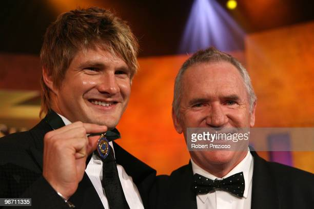 Shane Watson poses with Allan Border after winning the Allan Border Medal during the 2010 Allan Border Medal at Crown Casino on February 15 2010 in...