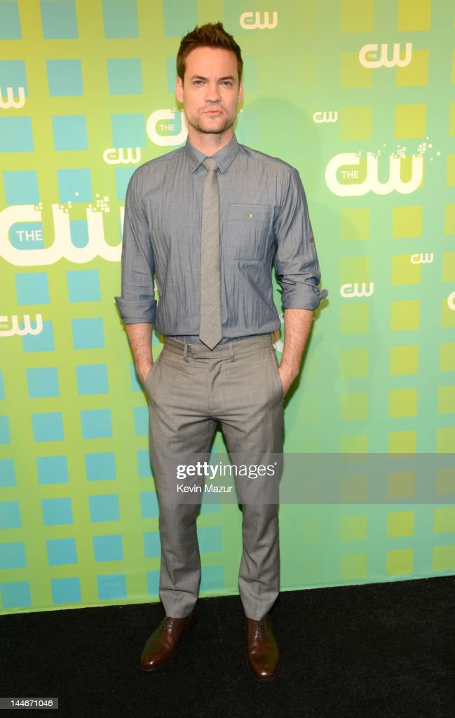 <a gi-track='captionPersonalityLinkClicked' href=/galleries/search?phrase=Shane+West&family=editorial&specificpeople=223968 ng-click='$event.stopPropagation()'>Shane West</a> attends the CW Network's 2012 Upfront at The London Hotel on May 17, 2012 in New York City.