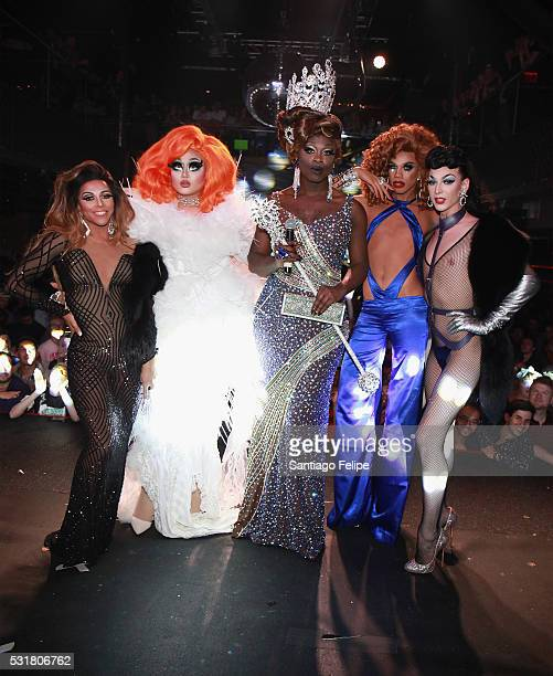 Shangela Laquifa Wadley Kim Chi Bob the Drag Queen Naomi Smalls and Violet Chachki pose onstage during the RuPaul's Drag Race Season 8 Finale Party...