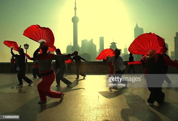 Shanghai fan dance