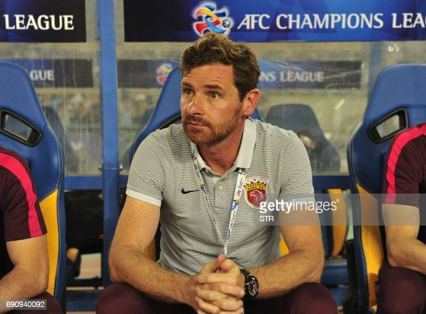 Shanghai SIPG coach Andre VillasBoas looks on during the AFC Champions League round of 16 football match Shanghai SIPG against Jiangsu Suning FC in...