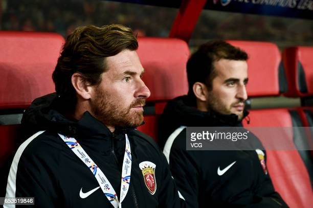 Shanghai SIPG head coach Andre Villas Boas looks on during the AFC Champions League Group F match between Shanghai SIPG and Urawa Red Diamonds at...